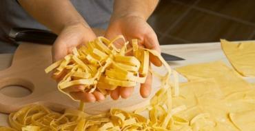 Как сделать домашнюю лапшу для супа и не только